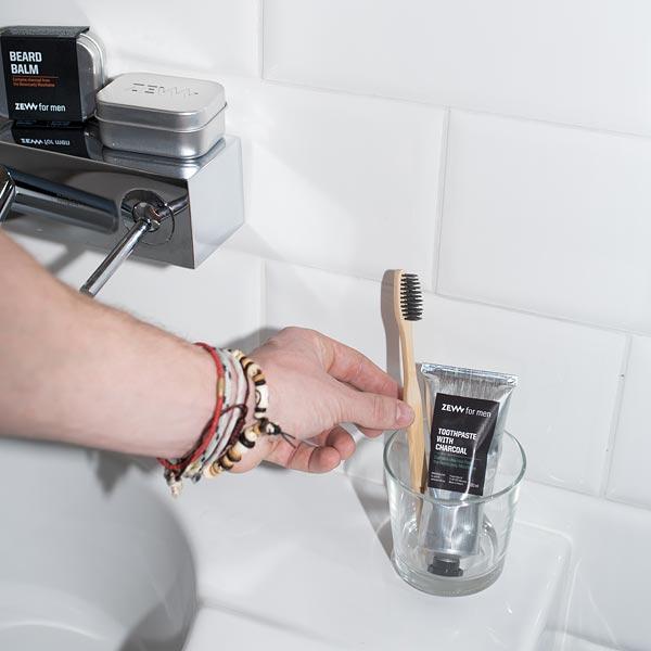 Charcoal Toothpaste - Zahnpasta mit Aktivkohle und ntensiver Minznote